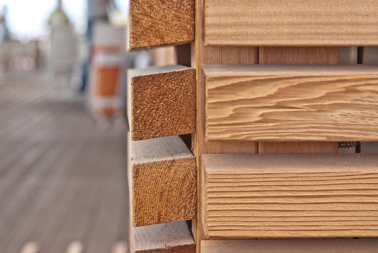 Rivestimento in legno di Cedro Rosso Canadese - Cannes (Francia)  Jove Spa