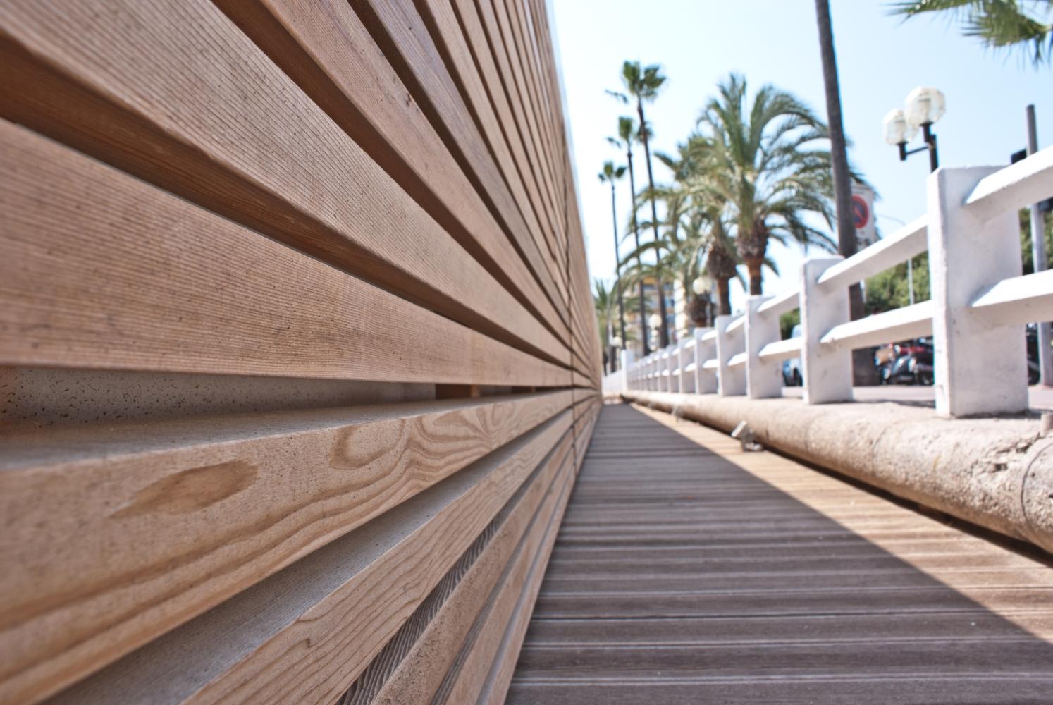 Rivestimento in legno di Cedro Rosso Canadese - Cannes (Francia)  Jove