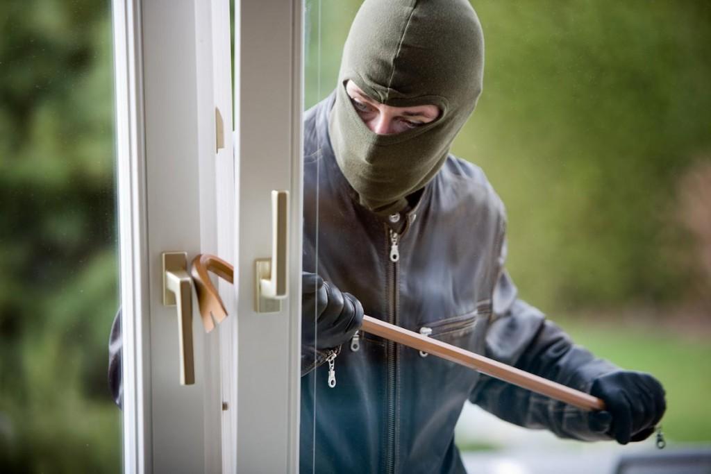 antieffrazione furti in casa ladri sicurezza finestre