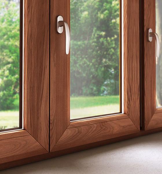 Serramenti infissi pvc legno 560x600 jove for Infissi pvc legno