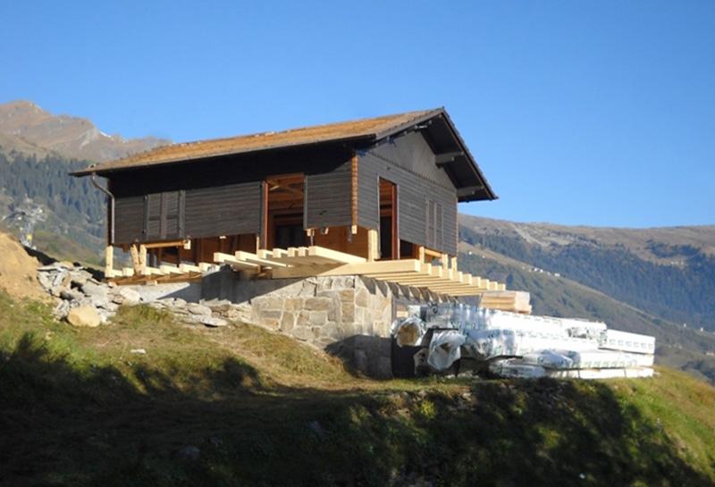 Chalet in legno, Aquarossa (Svizzera)